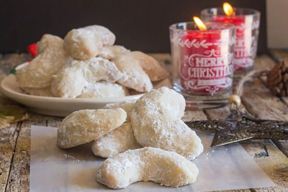 88. Almond Crescents Cookies Christmas Recipe