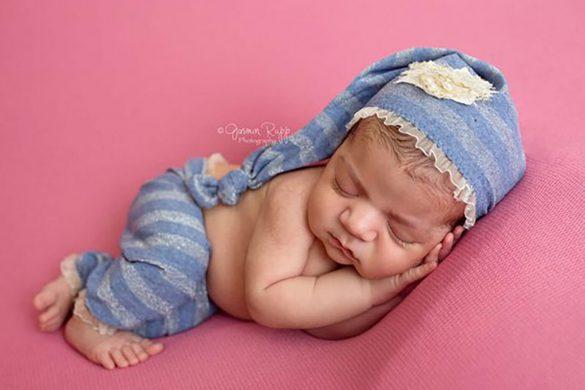 100. Newborn Pants And Hat Set (2)