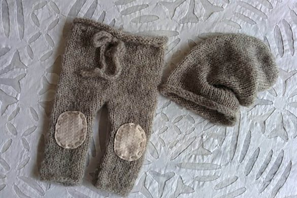 53. Newborn Pants And Hat Set