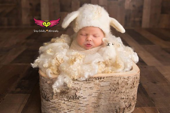 60. Newborn Hat And Toy Set (2)