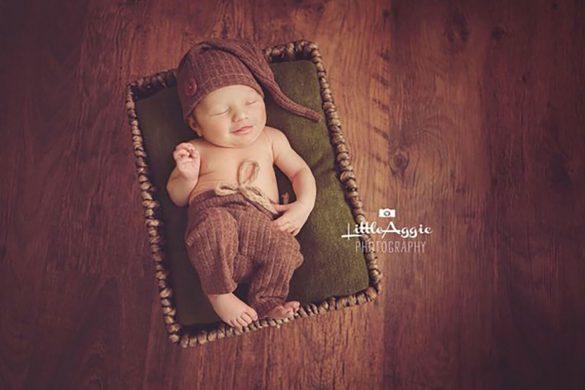 68. Newborn Pants And Hat Set